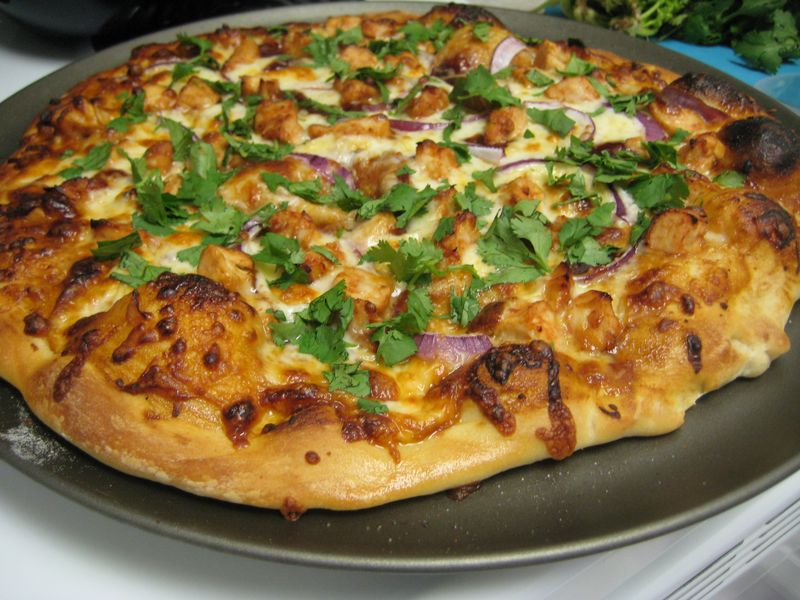 Lulu's Recipe Box: CPK's BBQ Chicken Pizza